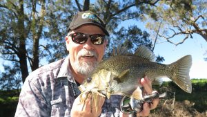 Steve Starlo Starling with a tidy Tuross bass for the Inner Circle of Fishotopia